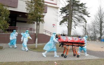 Contagios de covid-19 a nivel global superan los 18 millones y casi 700 mil muertes