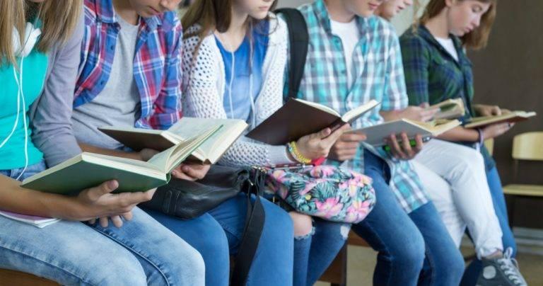 OMS advierte que reabrir escuelas en zonas con alto nivel de contagios es arriesgado