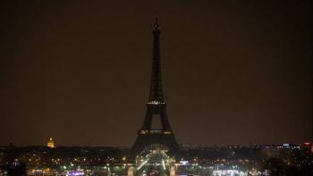 Paris apagará las luces de la Torre Eiffel en homenaje a las víctimas de Beirut