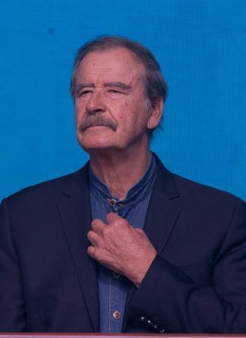 Vicente Fox sugiere que profesores den clases por videoconferencia