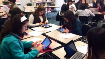 Promueve UNAM donación de tabletas a universitarios de bajos recursos