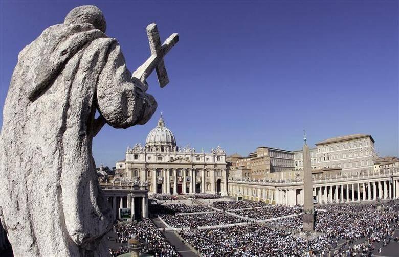Nombra Papa a seis mujeres para supervisión de finanzas en el Vaticano