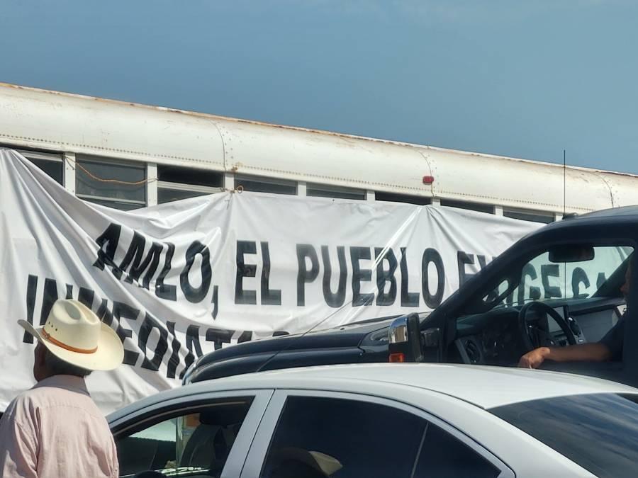 Video: Bloquea Pueblo Yaqui carretera de Sonora, se reunirán con AMLO