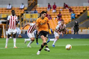 Video: Raúl Jiménez le da la victoria al Wolverhampton en Europa League