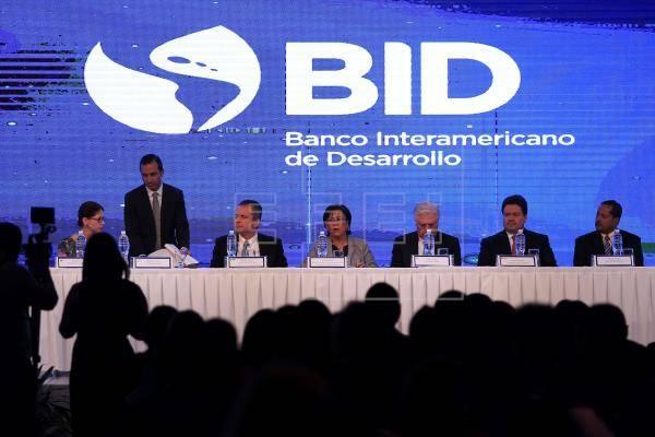 Se suma México a petición de postergar elecciones del BID