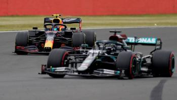 Hamilton es el más rápido en prácticas de Silverstone