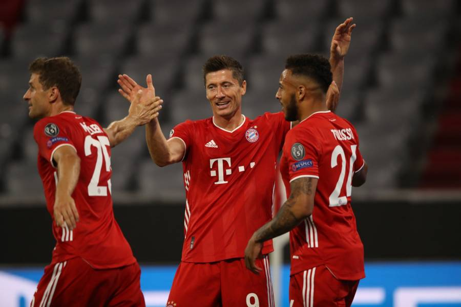 Bayer clasifica en Cuartos con doblete de Lewandowski
