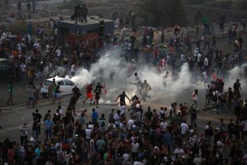 Manifestantes y policías se enfrentan en Beirut