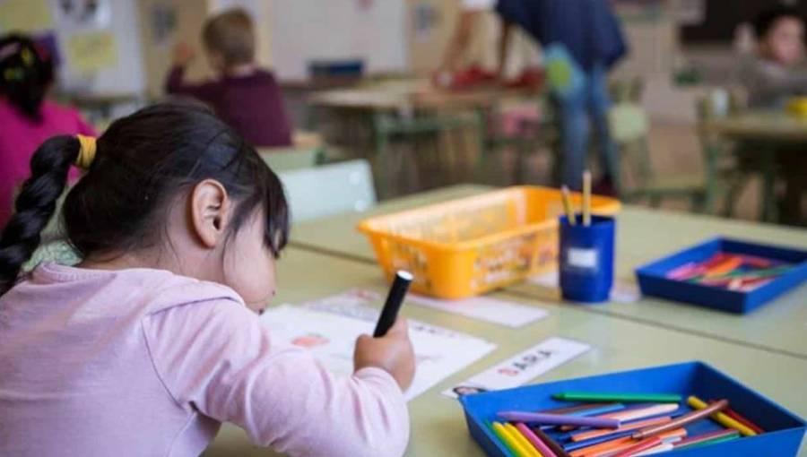 Sentencian a 60 años a maestra de jardín de niños por pederasta