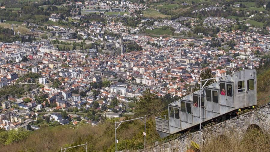 Accidente deja 15 heridos en el funicular de Lourdes, Francia