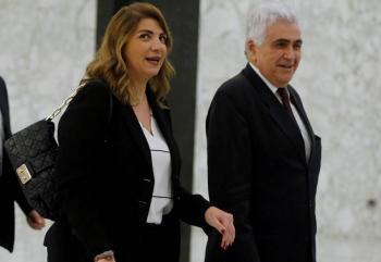 Gabinete de Líbano, bajo presión por dimisión de ministros tras explosión en Beirut