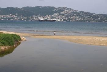 Investigadores convierten agua de mar en potable con luz solar