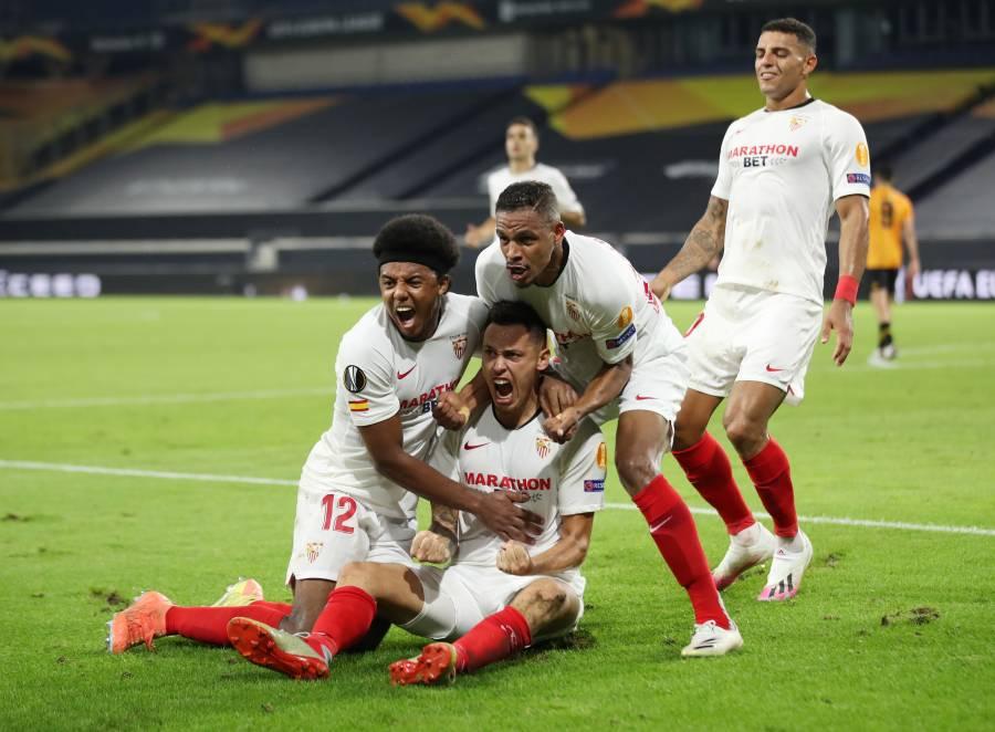 Jiménez falla penal y el Sevilla elimina al Wolverhampton en la Europa League