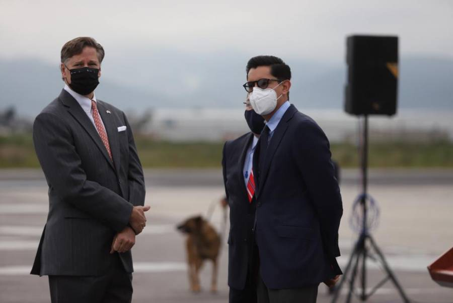 Llega décimo vuelo proveniente de Estados Unidos con ventiladores para covid-19