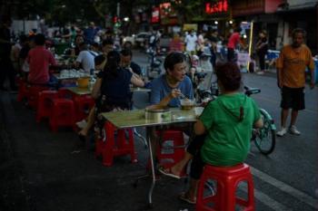 Wuhan, epicentro de la pandemia,  abandona el cubrebocas