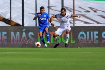 Cruz Azul cae ante Querétaro y pierde el invicto
