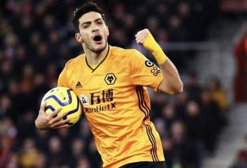 Afición pide que Raúl Jiménez permanezca en los Wolves