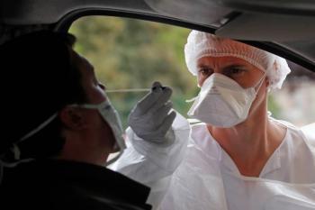 Francia registra más de 2 mil 500 casos por COVID-19