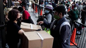 Caen solicitudes de ayuda por desempleo en Estados Unidos