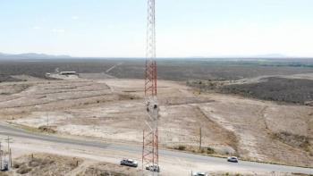 Inician instalación de equipos de microondas en torre de Valle de Allende, Chihuahua