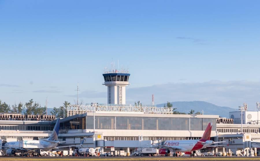 El Salvador reanudará vuelos internacionales el 19 de septiembre