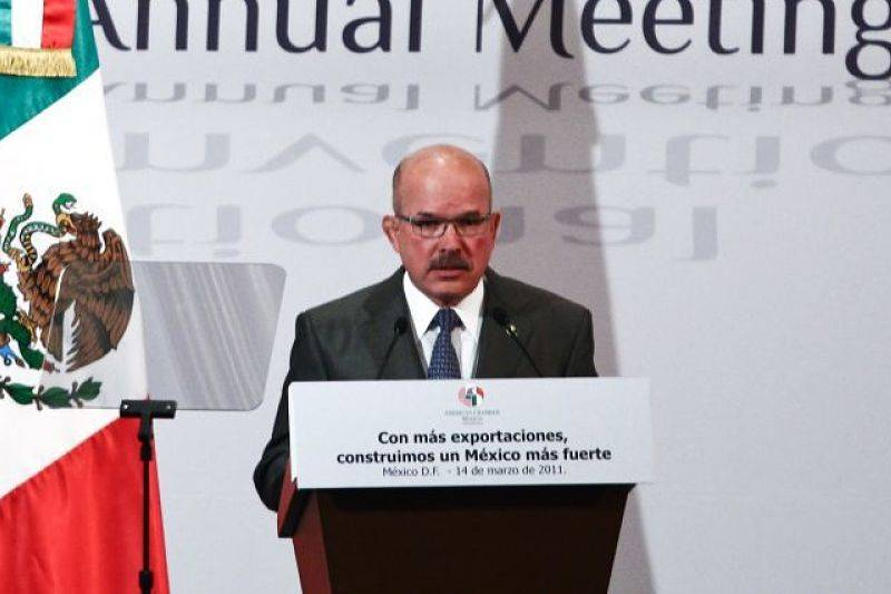 José Zozaya asume la presidencia de la AMIA