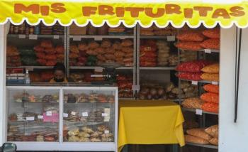 Tabasco también prohibirá venta de comida chatarra a menores de edad