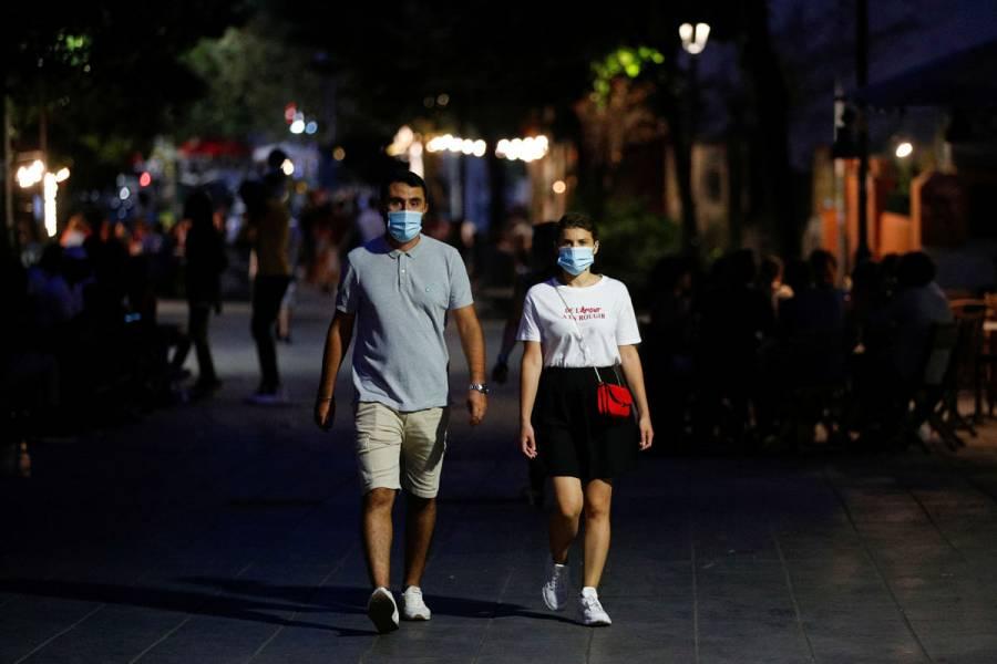 Pandemia de Covid-19, encabezada por adultos jóvenes: OMS