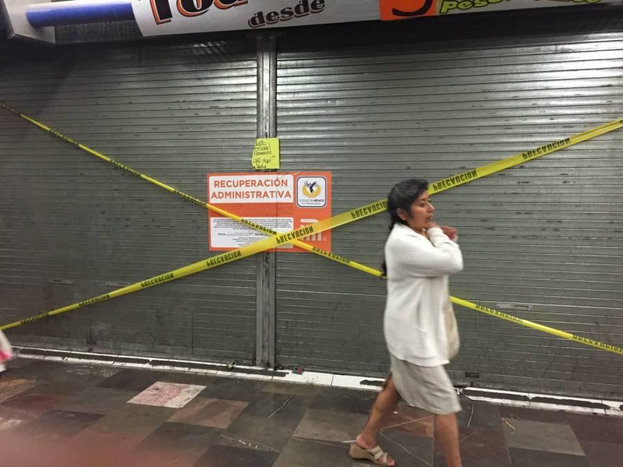 Metro retira módulos comerciales irregulares