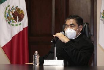 Miguel Barbosa niega haber recibido sobornos de Lozoya