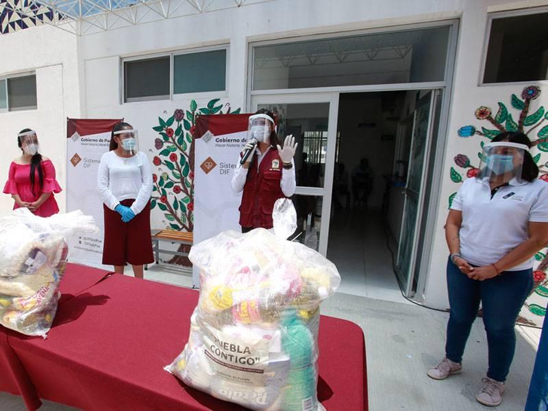 """En el programa emergente """"Puebla Contigo"""", apoyan a personas vulnerables durante el Covid-19"""