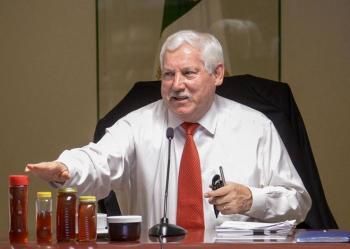 Secretario de Agricultura Víctor Villalobos da positivo a Covid-19