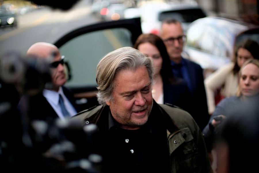 Ex asesor de Trump, Steve Bannon, acusado de fraude en recaudación de fondos para muro