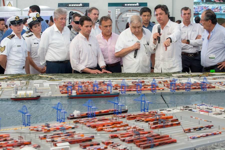 Puerto de Veracruz, en manos privadas: AMLO