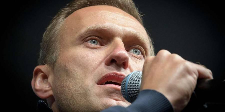 Hospitalizan al líder opositor ruso Alexéi Navalny tras presunto envenenamiento