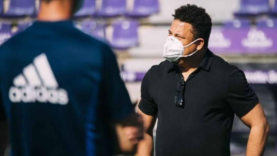 Tras estar en contacto con un positivo de Covid-19, Ronaldo Nazario se mantiene en aislamiento