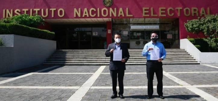 PAN presenta queja ante el INE contra David León y Pío López Obrador