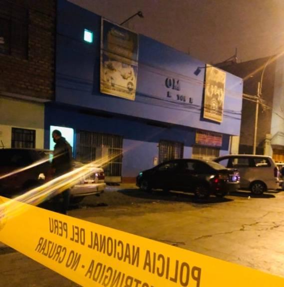 Trece personas mueren en Perú durante operativo policial en fiesta prohibida