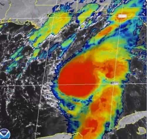 """Tormenta tropical """"Marco"""" se convierte en huracán categoría 1"""
