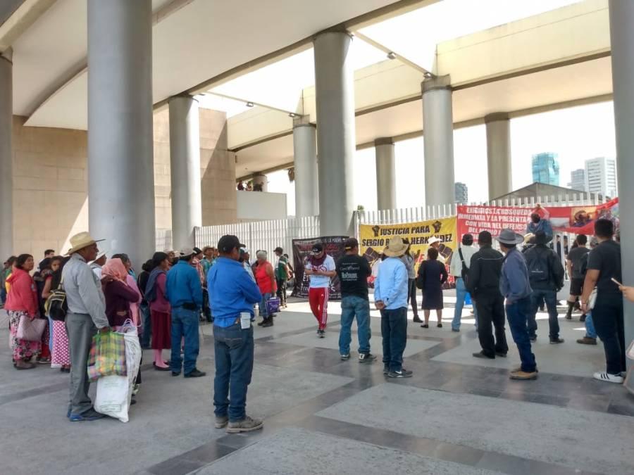 A dos años de la desaparición de Rivera Hernández exigen justicia afuera de la Fiscalía