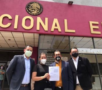 PRD denuncia ante el INE a AMLO, Pío López Obrador y David León