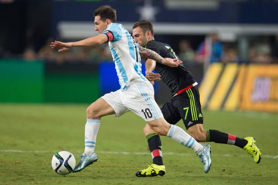 Miguel Layún invita a Messi al Monterrey