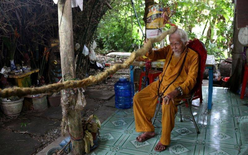 Nguyen Van Chien tiene 92 años y cree que si se corta el cabello morirá