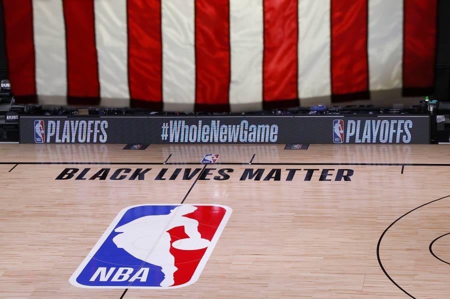 Jugadores de la NBA acuerdan reanudar los playoffs tras plantón