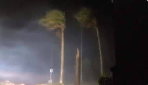 """Más de 400 mil personas están sin energía eléctrica por paso de huracán """"Laura"""""""