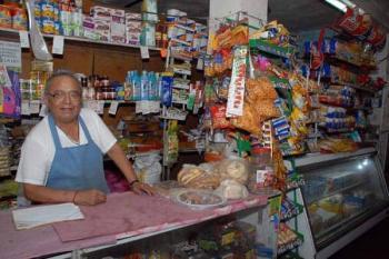 Si comercios exhiben comida chatarra podrían ser acreedores a una multa de 10 a 30 mil pesos
