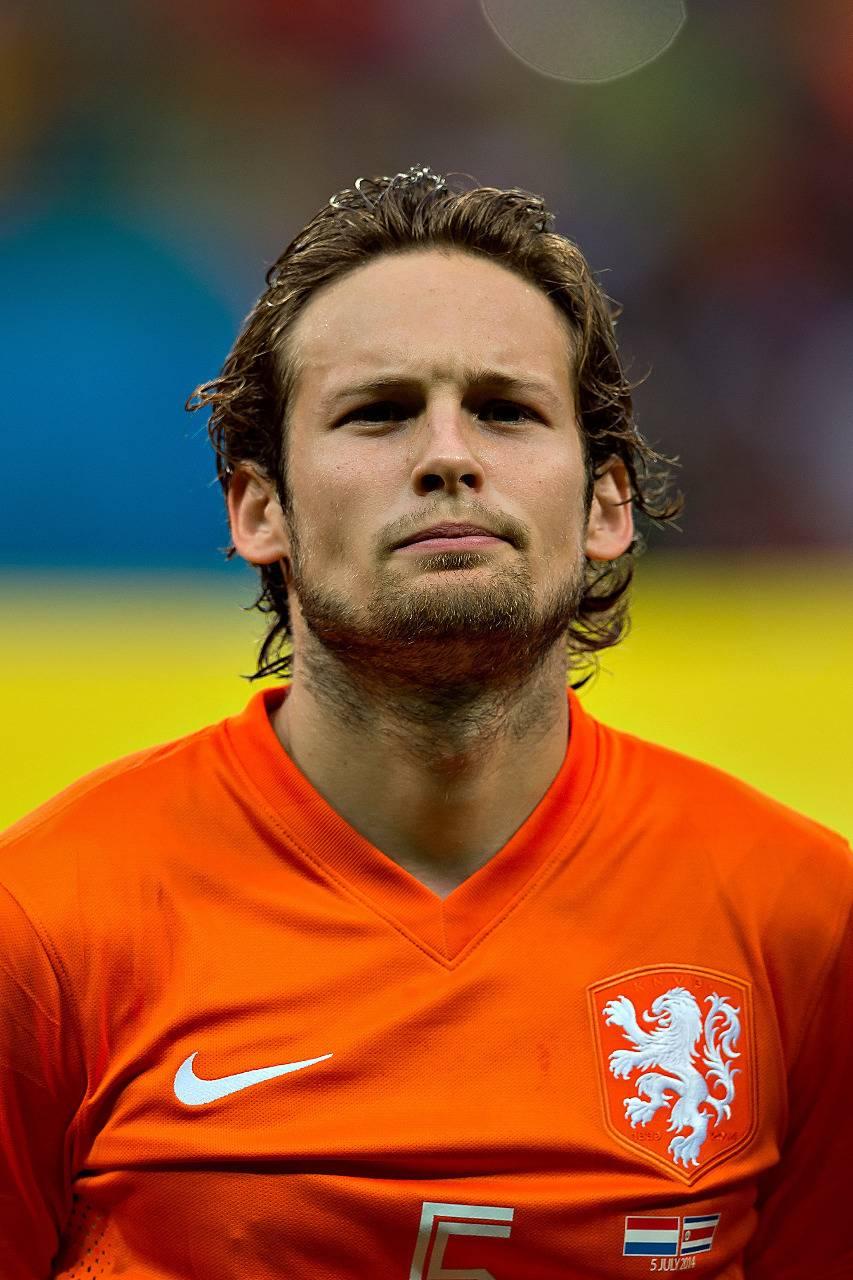En pleno partido se desploma un jugador del Ajax