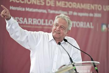 """""""El papa dice que ayudar a los pobres no es comunismo"""": AMLO a opositores"""