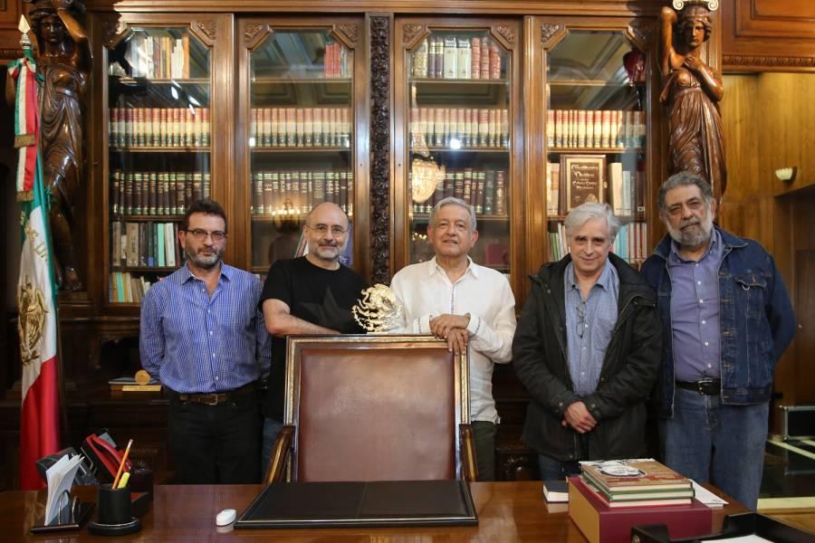 AMLO se reúne con Pedro Miguel, Helguera, Hernández y El Fisgón