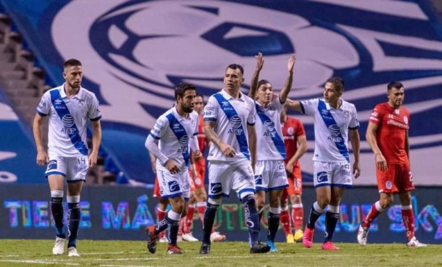 Puebla remonta y golea a un Toluca irreconocible en Liga MX